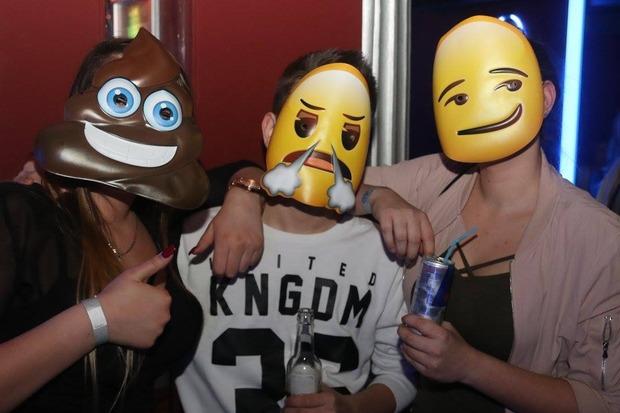 Foto 4 Von 244 Emoji Fasching Kino Stadl Szene1 At