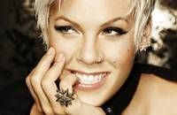 P!NK - The Funhouse Summer Canival 2010
