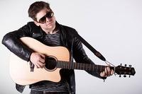 Singer Songwriter Abend mit Max Schabl