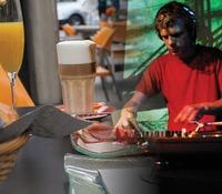 DJ BRUNCH: URBAN VIBES@Republic