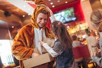 BREAKFAST WITH BUNNY - Den Osterhasen höchstpersönlich treffen@Hard Rock Cafe Vienna