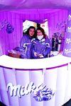 Milka Weihnachtstruck mit Sandra Pires