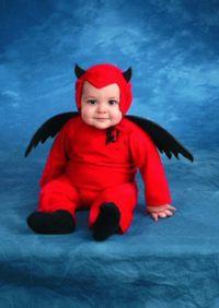 Rotes Haar & spitzes Kinn, da steckt bestimmt der Teufel drin!