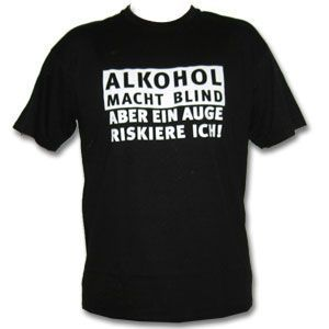 Gruppenavatar von Alkohol und Nikotin rafft die halbe Menschheit hin. Doch ohne Schnaps und Rauch stirbt die andere Hälfte auch.