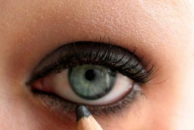 Gruppenavatar von Wir lieben es unsere Augen schwarz zu schminken!