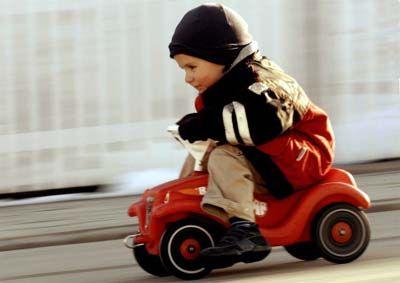 Gruppenavatar von Ab 250 km/h zieht mein Bobbycar etwas nach rechts!!!