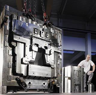 Gruppenavatar von Werkzeugbautechniker: Die besten Arbeiter für ihre Wünsche