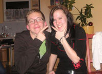 Es ist uncool, auf Fotos komische Gesten mit den Händen zu machen!!!
