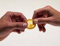 Gruppenavatar von Ja, lass uns DVD schaun. Bringst du Kondome mit?