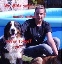 Gruppenavatar von ..never..forget.. [♥♥ נαsmiiN♥♥ ] R.I.P 12.01.2006  We miiSS yoU......