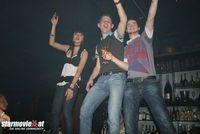 Tanze gelegentlich im *KKDU* auf der BAR!!!