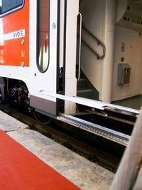 Gruppenavatar von Beachten Sie bitte beim Aussteigen den Niveauunterschied zwischen Zug und Bahnsteig.