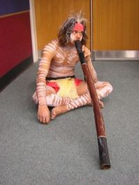 I bau ma a Didgeridoo aus an Bam, oida!