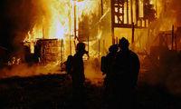 Gruppenavatar von Ein Feuerwehrmann stirbt nicht, er fährt in die Hölle um dort das Feuer zu löschen