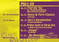 Friday night at Strau live