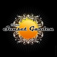 Gruppenavatar von Three - Sunset Garden