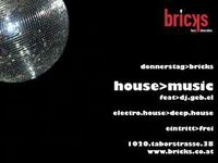 House-music@Bricks - lazy dancebar