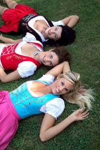 Gruppenavatar von ♥...(= Mädels iin Diirndln siind SexY =)...♥