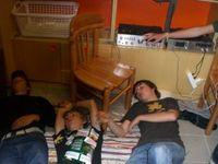 Gruppenavatar von Du bist nicht betrunken, solange du auf dem Boden liegen kannst ohne Dich festzuhalten!