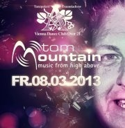Live  the Turntables: Tom Mountain