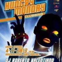 Hungry Monday Clubbing