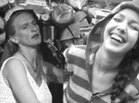 Frauen:musik:  Klara Krenek  Karin Daym@Arena Bar Variete Theater Cafè