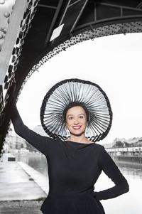 Regina Hofer: Saus & Braus