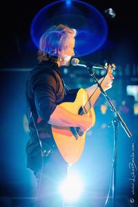 Virtuoses auf der Akustikgitarre@Vogelkeller, Restaurant Fromme Helene