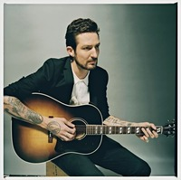 Frank Turner & The Sleeping Souls (UK)@Gasometer - planet.tt