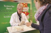 Für einen gesunden Start ins neue Jahr: Cholesterinwert testen@Lugner City