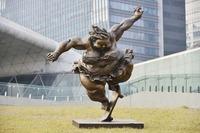 Oper Air Skulpturenausstellung des international anerkannten, chinesischen Künstlers Xu Hongfei Station Wien@Haupthof Museumsquartier