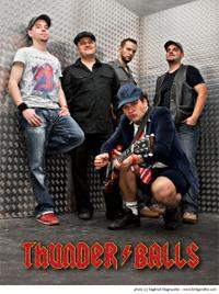 Thunderballs@Gaudi Alm