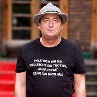 Andreas Vitásek   GRÜNMANDL ODER DAS VERSCHWINDEN DES KOMIKERS@Bühne im Hof