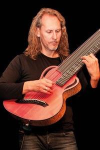 Beyond Six Strings - Lange Nacht der akustischen Gitarre@ZWE