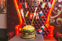 Burger um 71 Cent: Das Hard Rock Cafe feiert den Founder's Day@Hard Rock Cafe Vienna